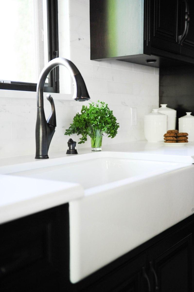 Apron sink, Delta Faucets
